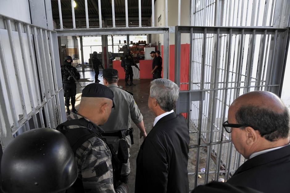 Prisão em Goiás é controlada por detentos, dizem presos em relatório