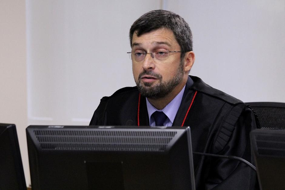 """""""Lamentavelmente, Lula se corrompeu"""", diz procurador em julgamento no TRF4"""
