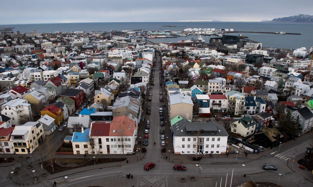 Islândia cria lei de igualdade salarial entre homem e mulher