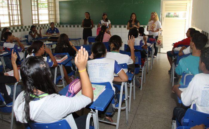 Servidores da educação denunciam movimentação antidemocrática em Senador Canedo ao MP