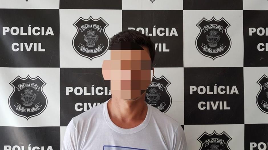 Homem é preso com mais de R$ 500 mil em etiquetas falsificadas em Jaraguá