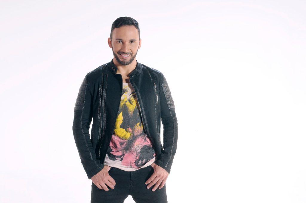 Cantor Rob Nunes grava primeiro DVD da carreira em Goiânia