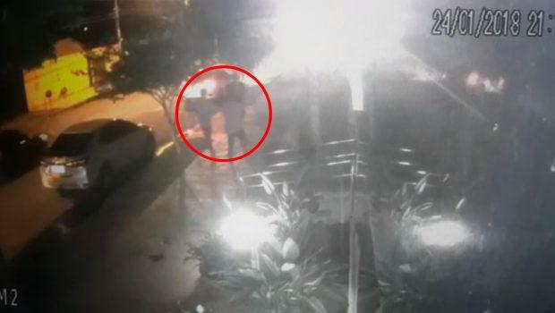 Câmera de segurança flagra assalto a advogado no Setor Bueno