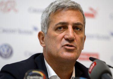 """""""Não vou montar minha equipe pensando apenas no Neymar"""", diz técnico da Suíça"""
