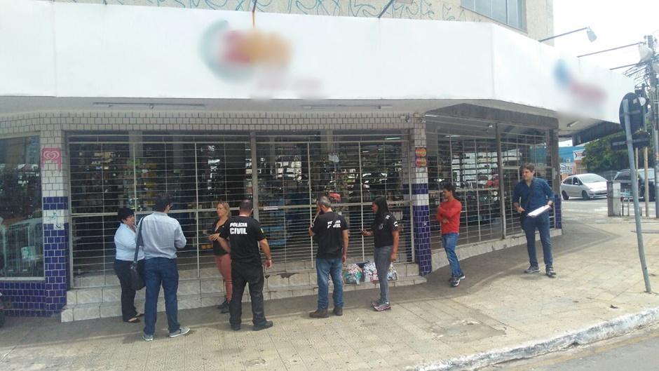 Farmácia é interditada por vender medicamentos tarja preta e anabolizantes sem receitas, em Goiânia