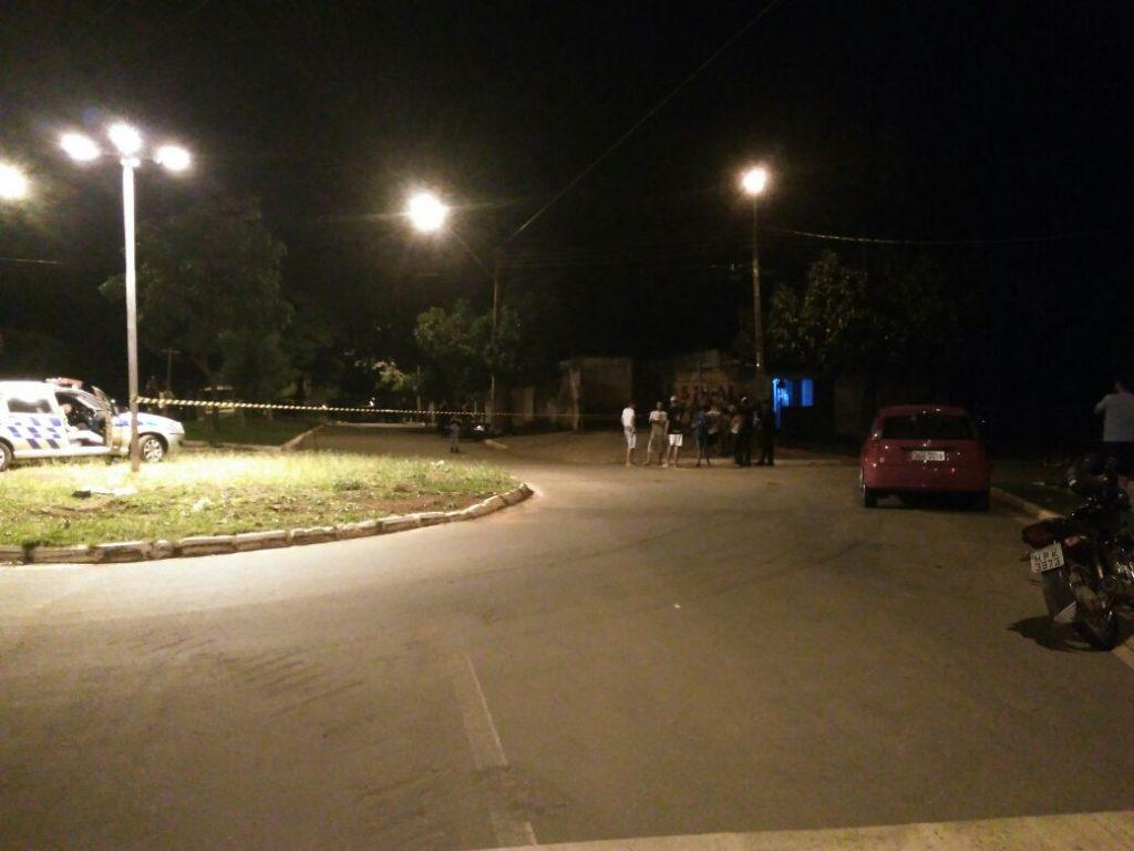 Motociclista morre após colidir motocicleta em poste no Jardim Guanabara, em Goiânia