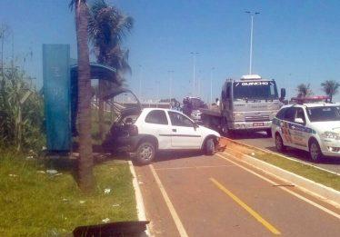 Morre pedestre atropelado por carro na GO-020