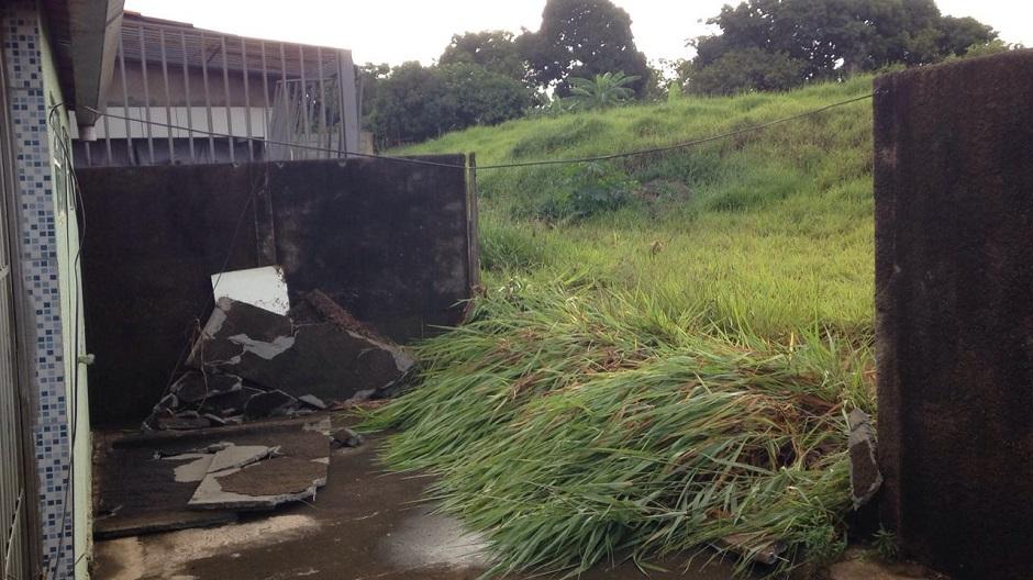 Defesa Civil interdita duas casas, após temporal em Goiânia