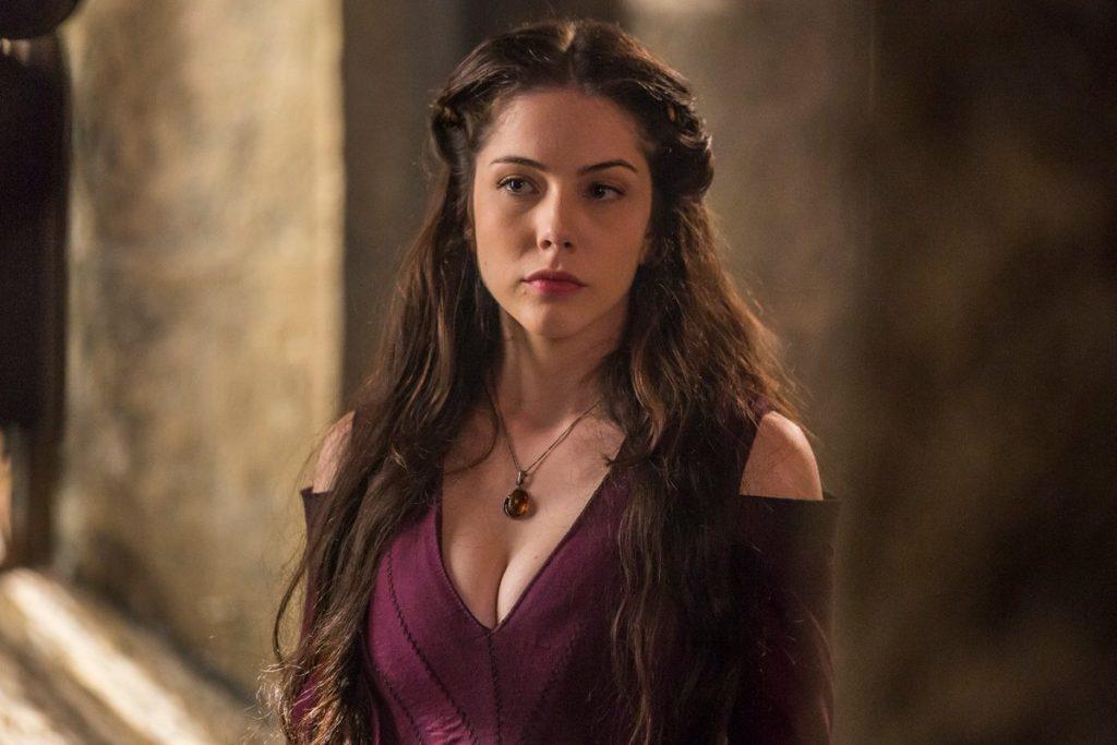 Bia Arantes estreia em 'Deus Salve o Rei' como a sedutora Brice