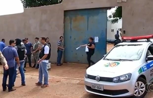 Agente penitenciário é feito refém de presos que tentavam execução