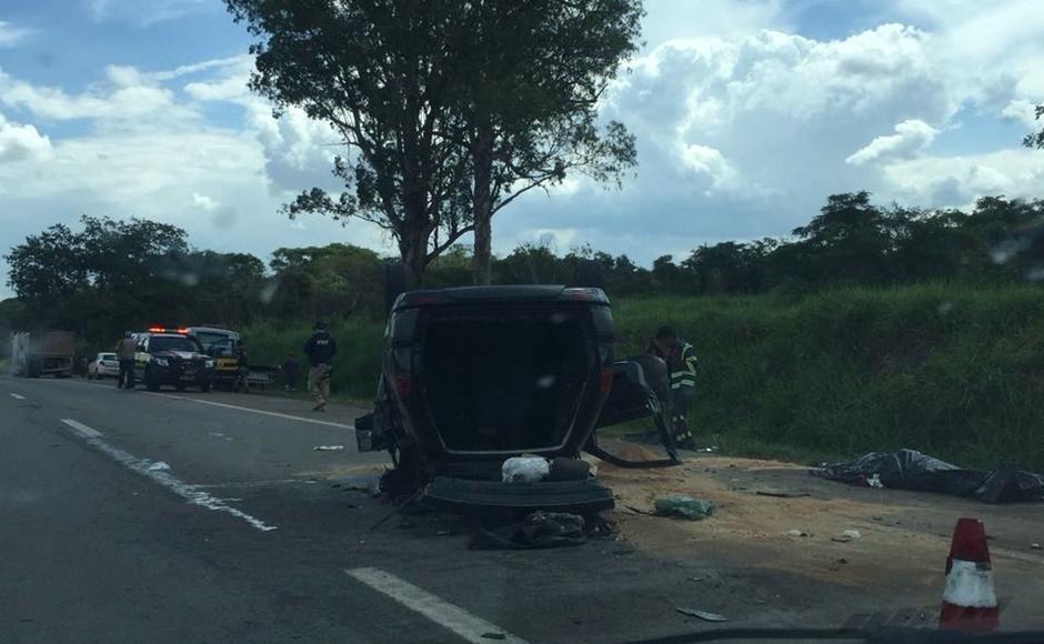 Um morre e cinco ficam feridos em série de acidentes na BR-060, em Terezópolis