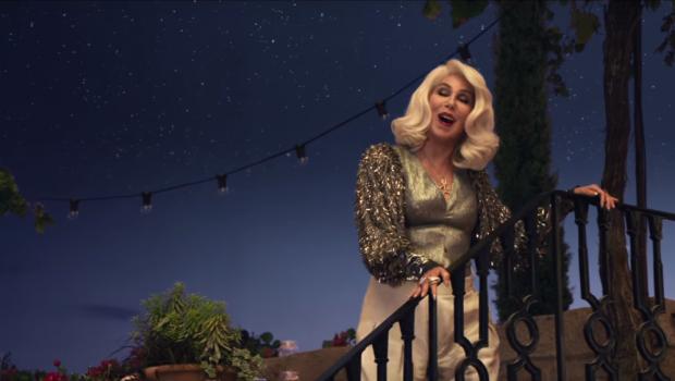 Novo trailer de 'Mamma Mia: Lá Vamos Nós De Novo' tem Cher cantando ABBA; assista