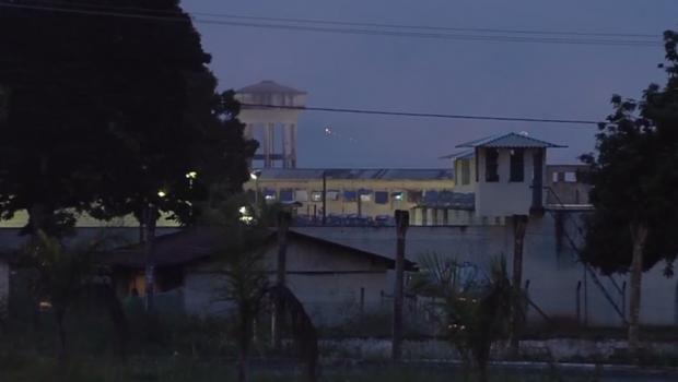 Detentos fazem rebelião na Penitenciária Odenir Guimarães (POG), em Aparecida de Goiânia