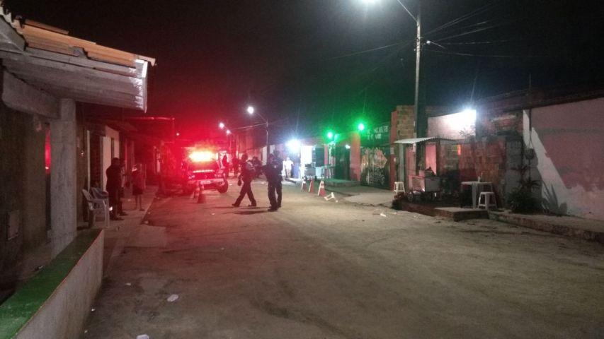 Ao menos 18 pessoas foram mortas a tiros na maior chacina do Ceará