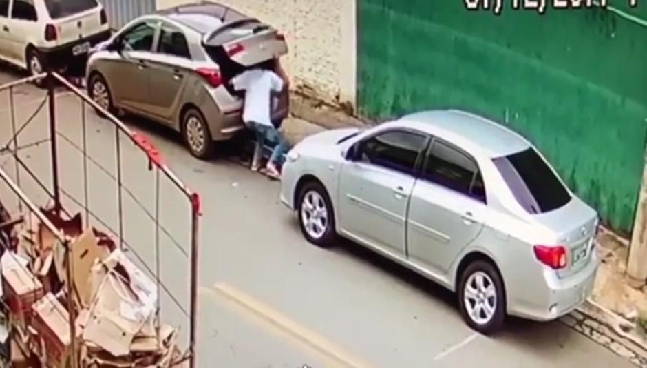 Rotam apreende adolescente que foi filmado furtando estepe, em Goiânia
