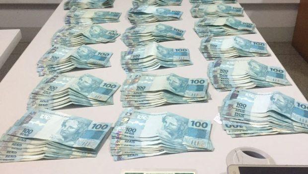 Idoso é preso em flagrante tentando sacar R$ 30 mil com documentos falsos