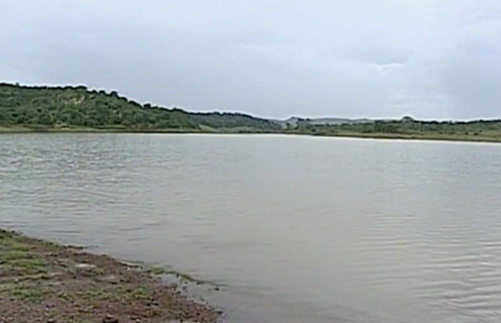 Bombeiros retomam buscas para encontrar jovem que desapareceu no Lago Corumbá IV, em Alexânia