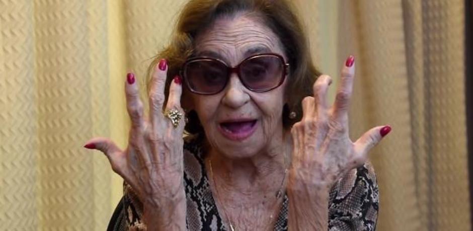 'Odeio os políticos do Brasil, são uns safados', diz Laura Cardoso