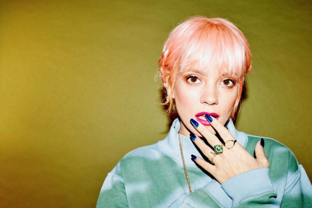 Lily Allen divulga clipe para 'Trigger Bang' e anuncia lançamento de novo disco