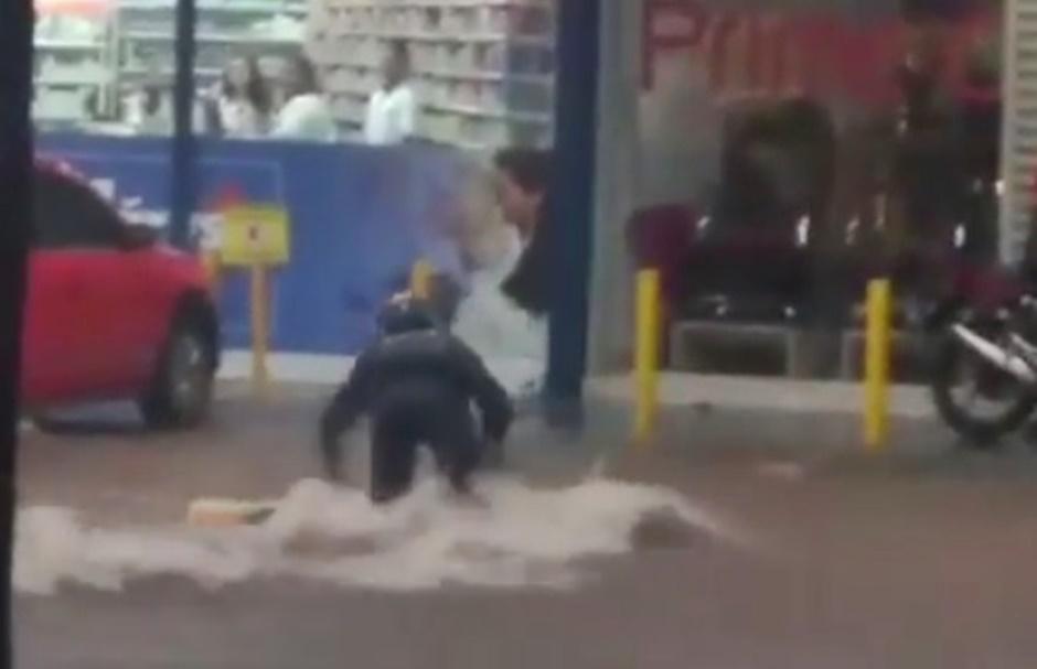 Homem morre após ser levado por enxurrada em Goiânia
