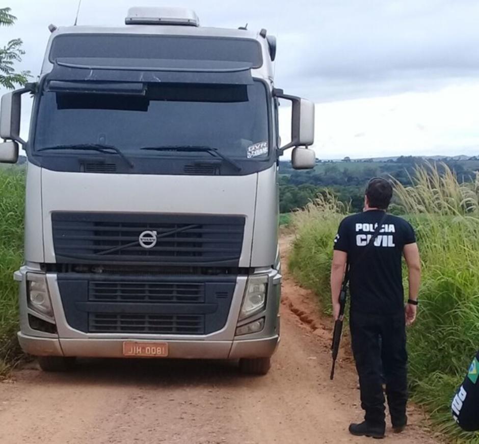 Homem é preso suspeito de retirar areia de forma ilegal de lago em Vianópolis