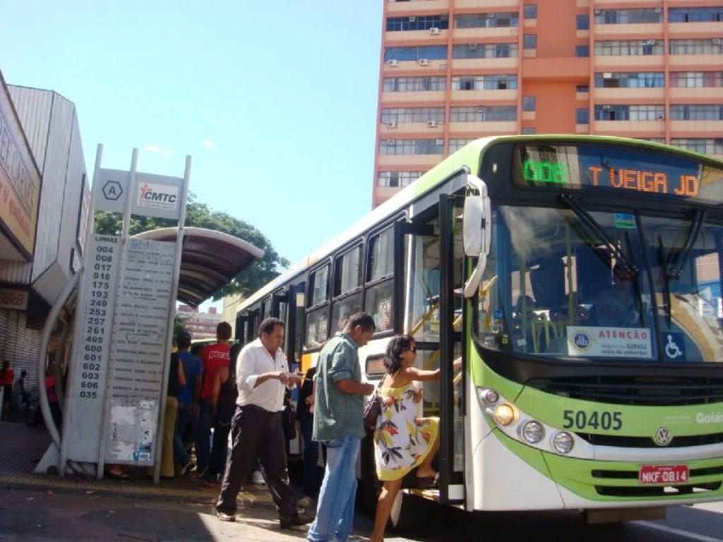 Interdição de ponte sobre o Córrego Taquaral desvia linhas de ônibus em Goiânia