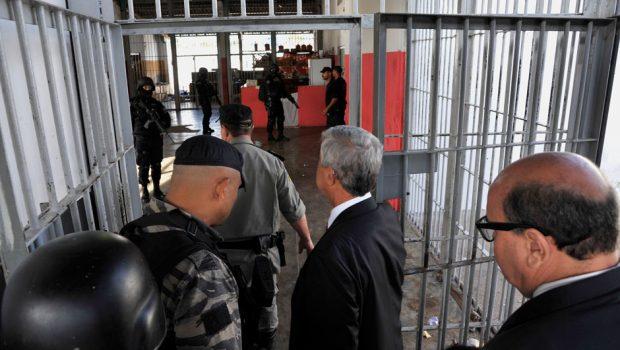 Governo de Goiás diz que cumprirá de imediato decisão de transferir presos