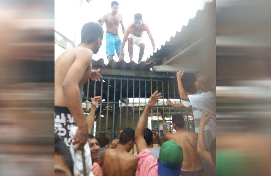 Detentos do semiaberto do presídio de Aparecida de Goiânia fazem nova rebelião