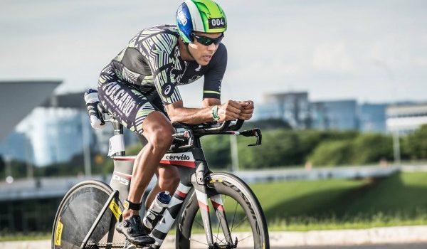 Triatleta goiano está no Chile e enfrenta canadense campeão
