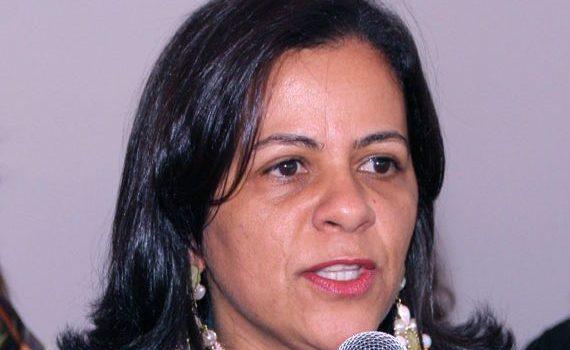 Justiça bloqueia bens de ex-prefeita de Uruaçu e mais quatro integrantes da sua gestão