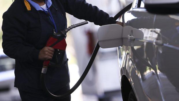 Para distribuidores, cartel da gasolina é 'factoide'