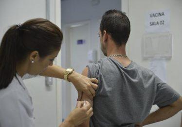 """São Paulo tem """"Dia D"""" de vacinação contra febre amarela neste sábado"""