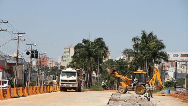 Prefeitura faz acordo para retomada de obras do BRT em Goiânia