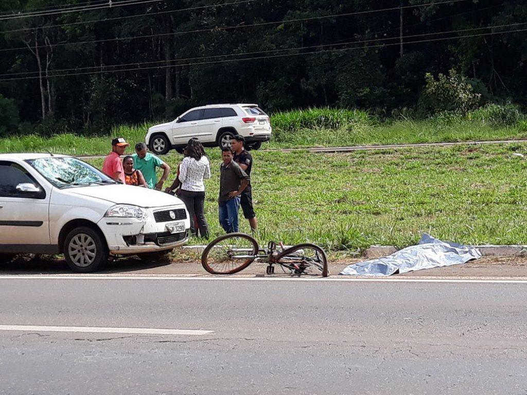 Auxiliar de produção morre atropelado na GO-070, em Goianira