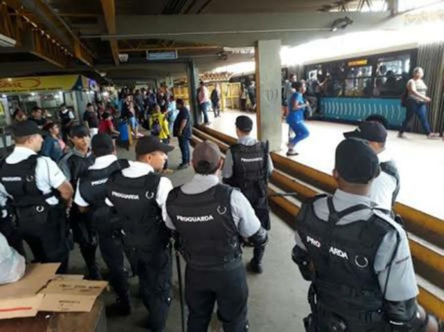 Vigilante é esfaqueado em estação do Eixo Anhanguera, em Goiânia