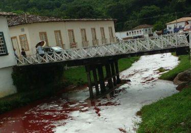 Mancha vermelha já passou pela área urbana do Rio Vermelho, em Goiás