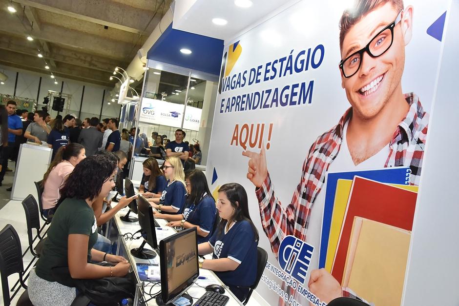 Feira do estudante oferece mais de 2 mil vagas de estágio