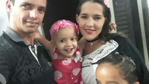 Em meio a tratamento contra câncer, família tem carro roubado nas imediações do Araújo Jorge