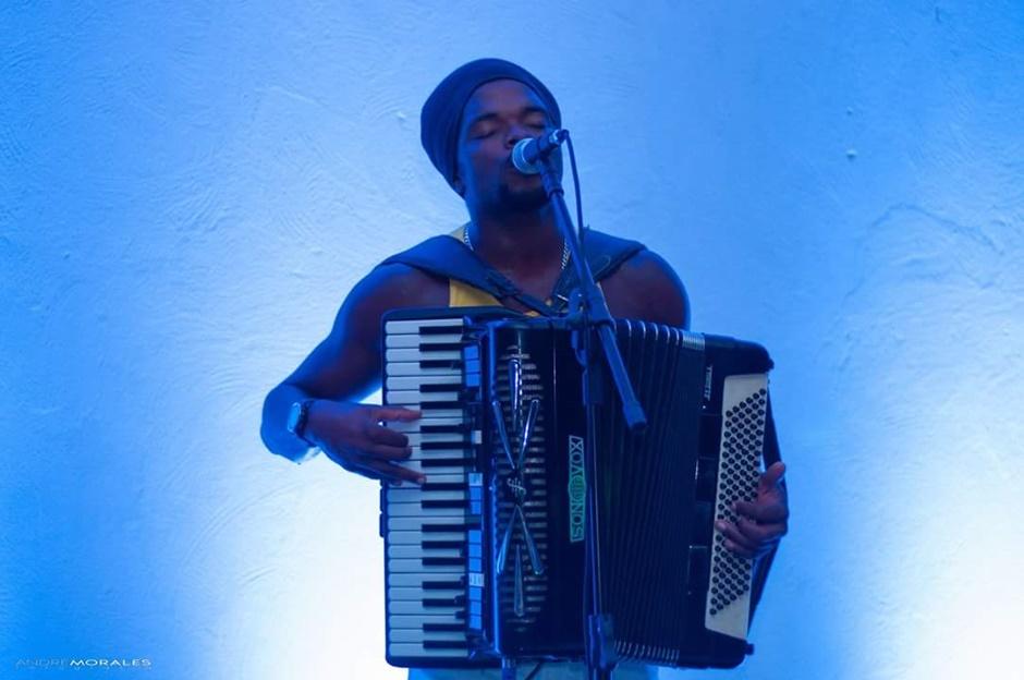 Black do Acordeon faz show em Goiânia