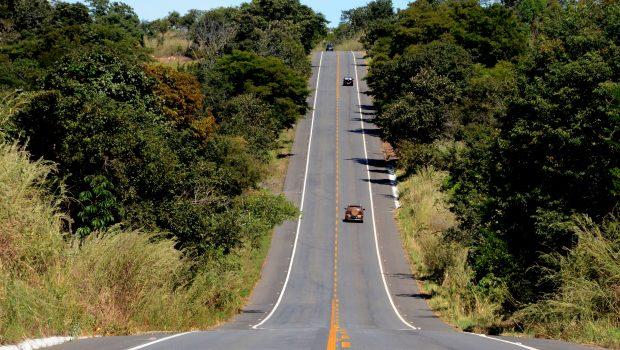 Concessionária é condenada a pagar R$ 10 mil para motorista que se acidentou em rodovia, em Goiás