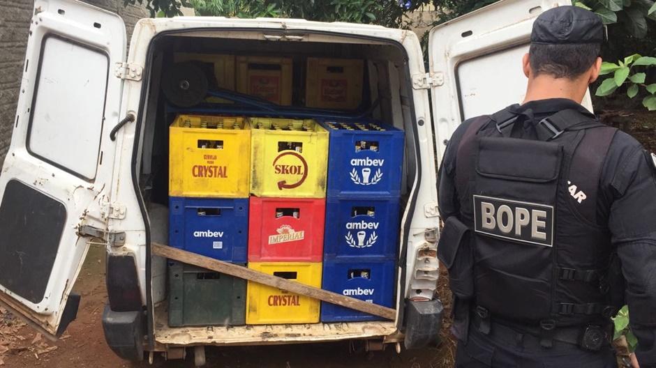 Bope fecha barracão que era usado para fabricação de cervejas falsificadas, em Aparecida de Goiânia