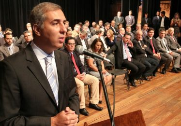Reforma administrativa do Governo de Goiás tem intuito eleitoreiro, dizem cientistas políticos