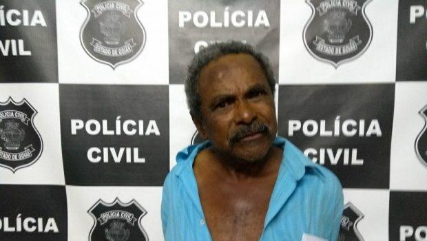 Homem é preso após agredir a companheira no meio da rua
