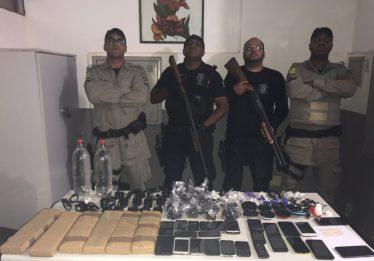 Agentes prisionais trocam tiros com suspeitos que tentavam passar drogas e celulares em presídio de Rio Verde