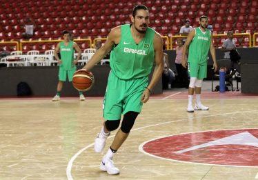 Seleção brasileira masculina de basquete enfrenta a Colômbia no Goiânia Arena