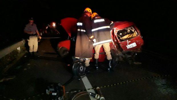 Jovem morre após se envolver em acidente com caminhonete na GO-060