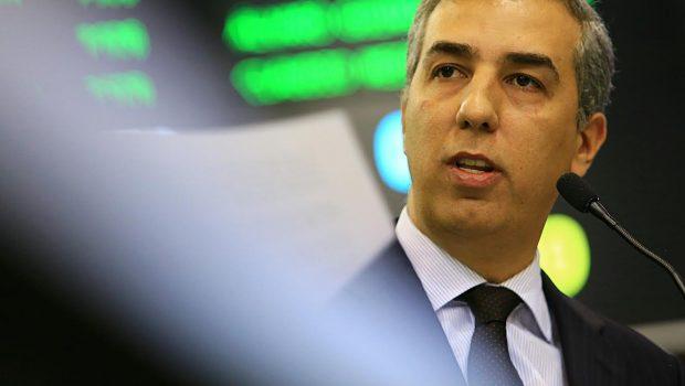 Governo inicia reforma administrativa com posse de sete secretários