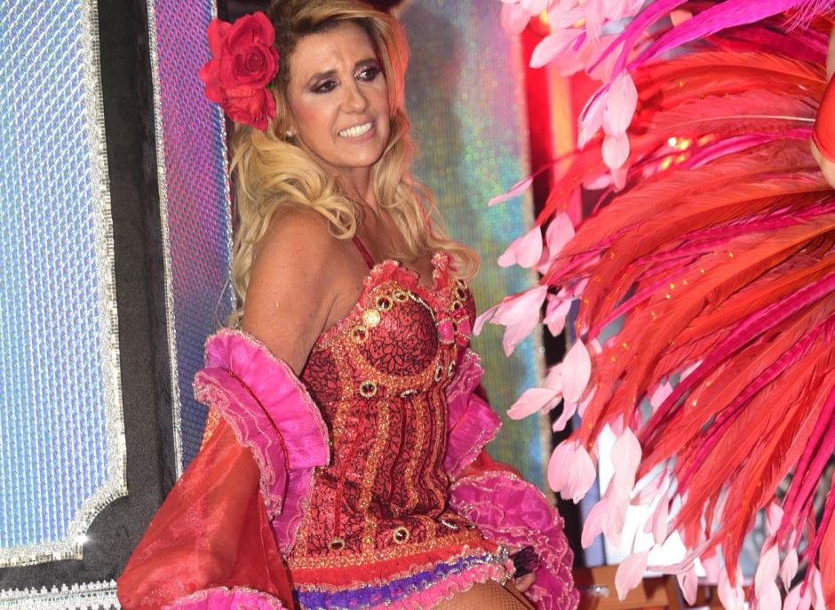 Rita Cadillac é barrada em estúdio da Globo após desfile da Rosas de Ouro