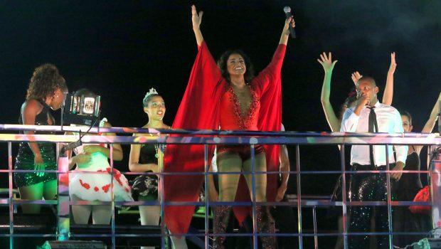 'Sou uma caixinha de música em cima do trio', diz Daniela Mercury