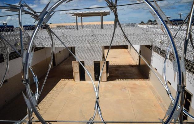 Quatro detentos fogem da unidade prisional de Anápolis